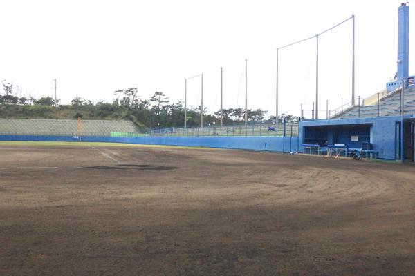本格的なプレイヤーズベンチが、野球気分を盛り上げてくれます。